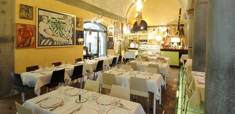A romantic Italian night in a typical Florentine restaurant