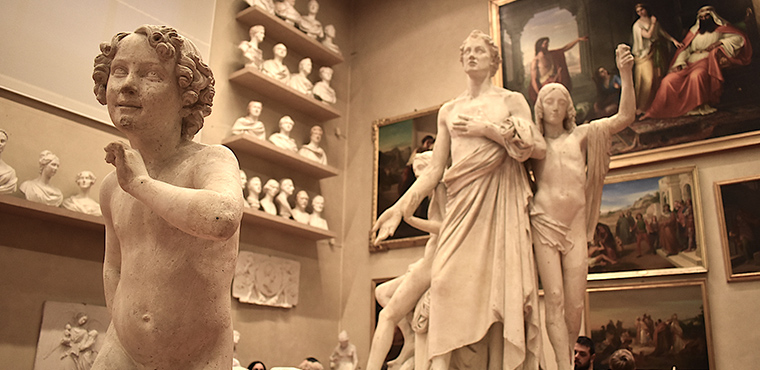 Statues  of the Accademia gallery in Florence